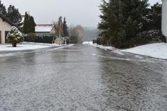 driving-on-black-ice-261010-edited.jpg
