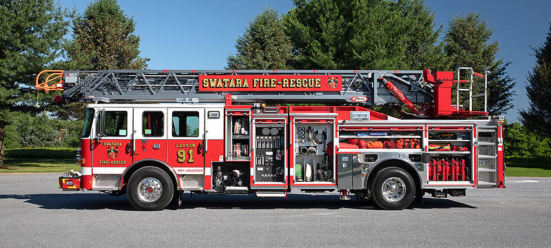 Pierce - Ascendant® 107' Heavy-Duty Aerial Ladder | Pierce Mfg