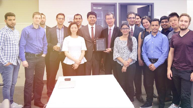 Minister Michael Chan at mobileLIVE office