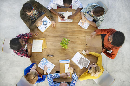 How to Get Your Sales and Marketing Team Aligned on Marketing