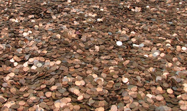 These are pennies. Lots of pennies.