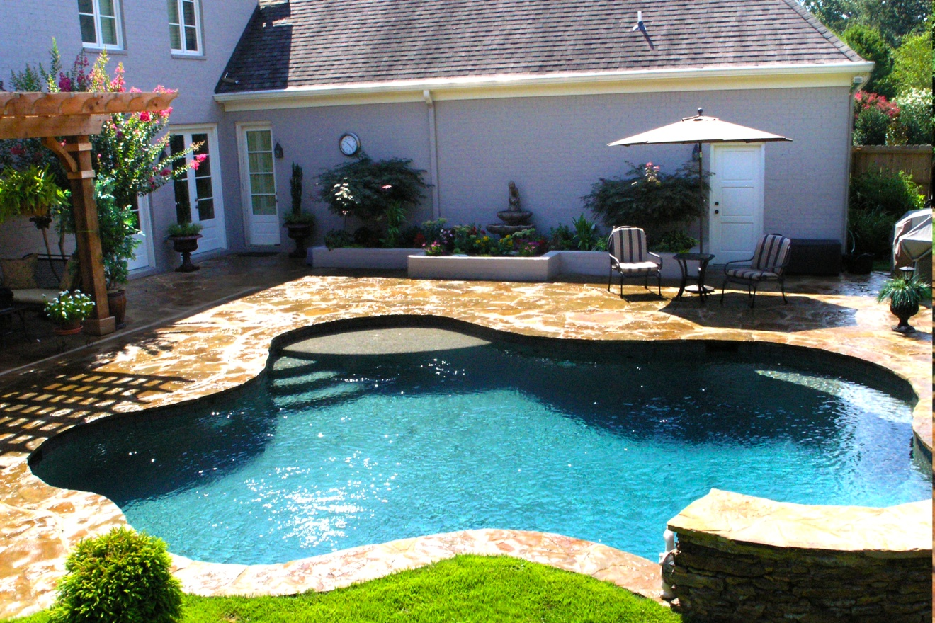 when is the best time to close my swimming pool
