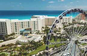 The new hot spot: The Great Ferris Wheel Cancun