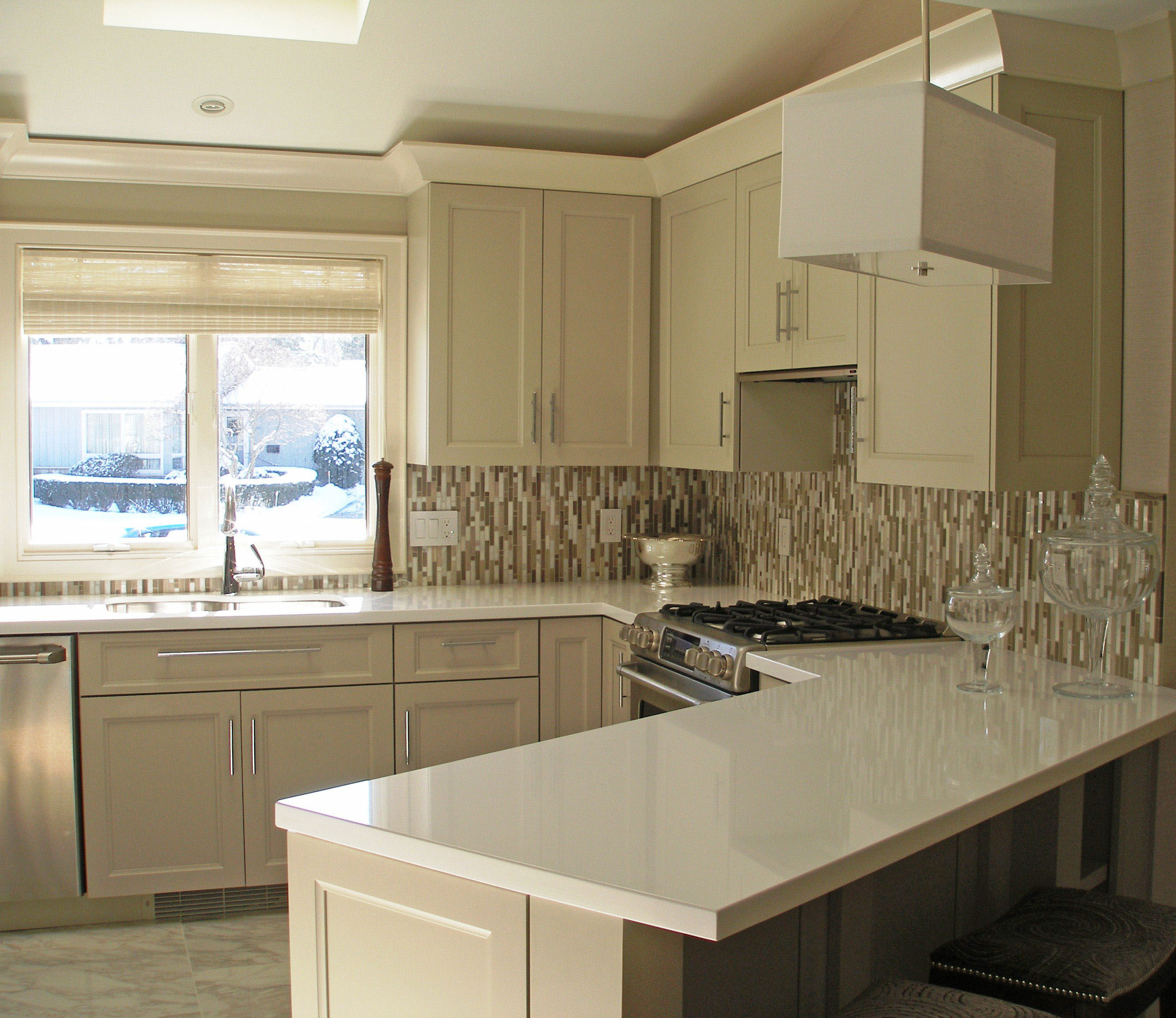 Incroyable Crisp Clean European Full Overlay Cabinets ...