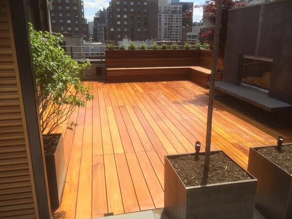 Garapa rooftop deck by the Organic Gardener