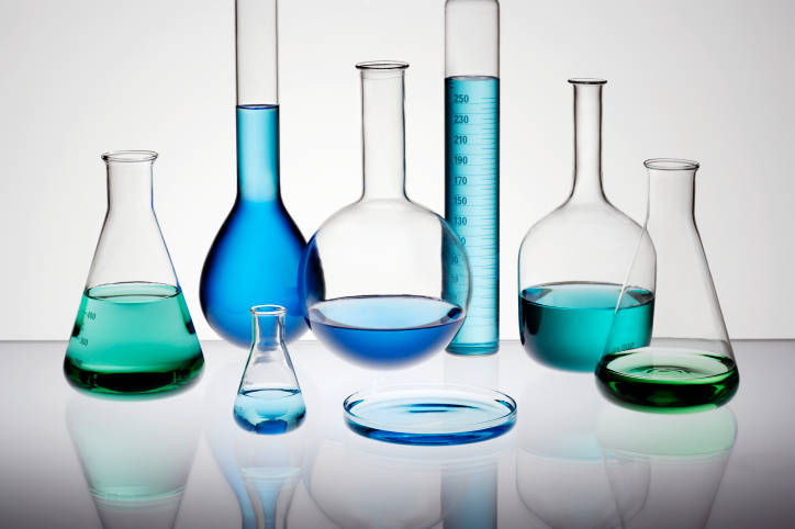 Common general chemistry lab experiments both in advanced high school
