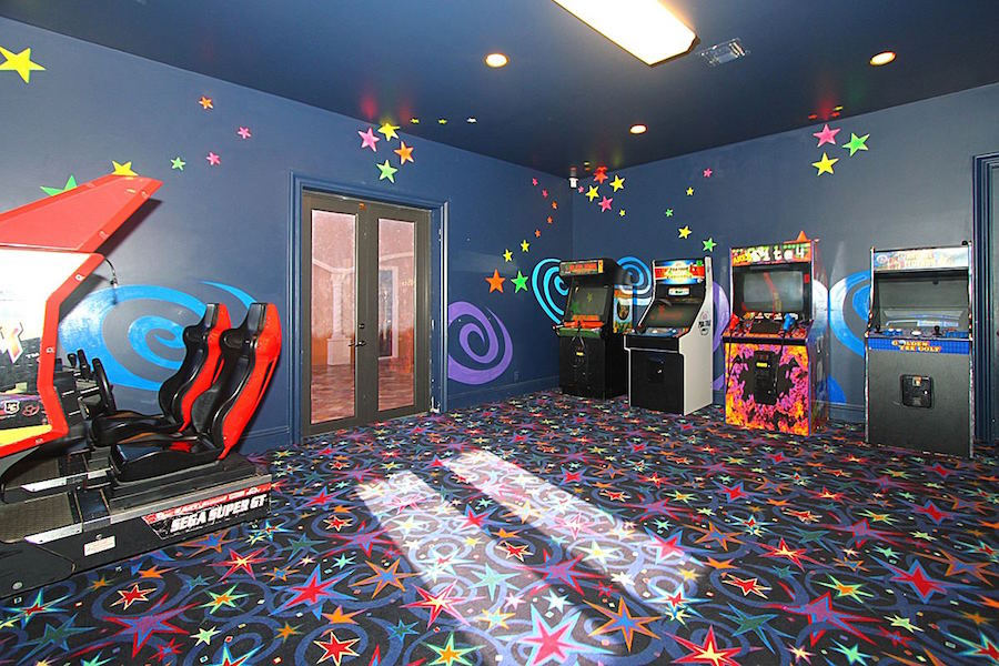 Rainy days are made for indoor play, and the fully-equipped arcade room is sure to tempt kids of all ages with an array of classic games.
