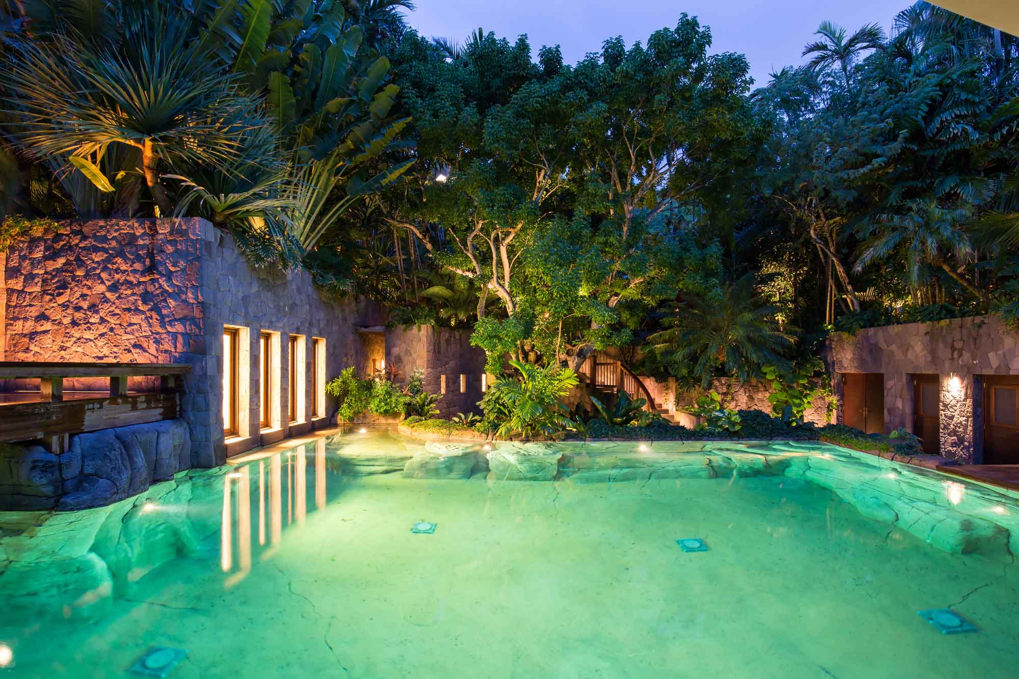 Girasol's guest house (known as the Caribbean Villa) comprises three large bedrooms and a lounge area leading out to a swimming pool surrounded by tropical gardens.