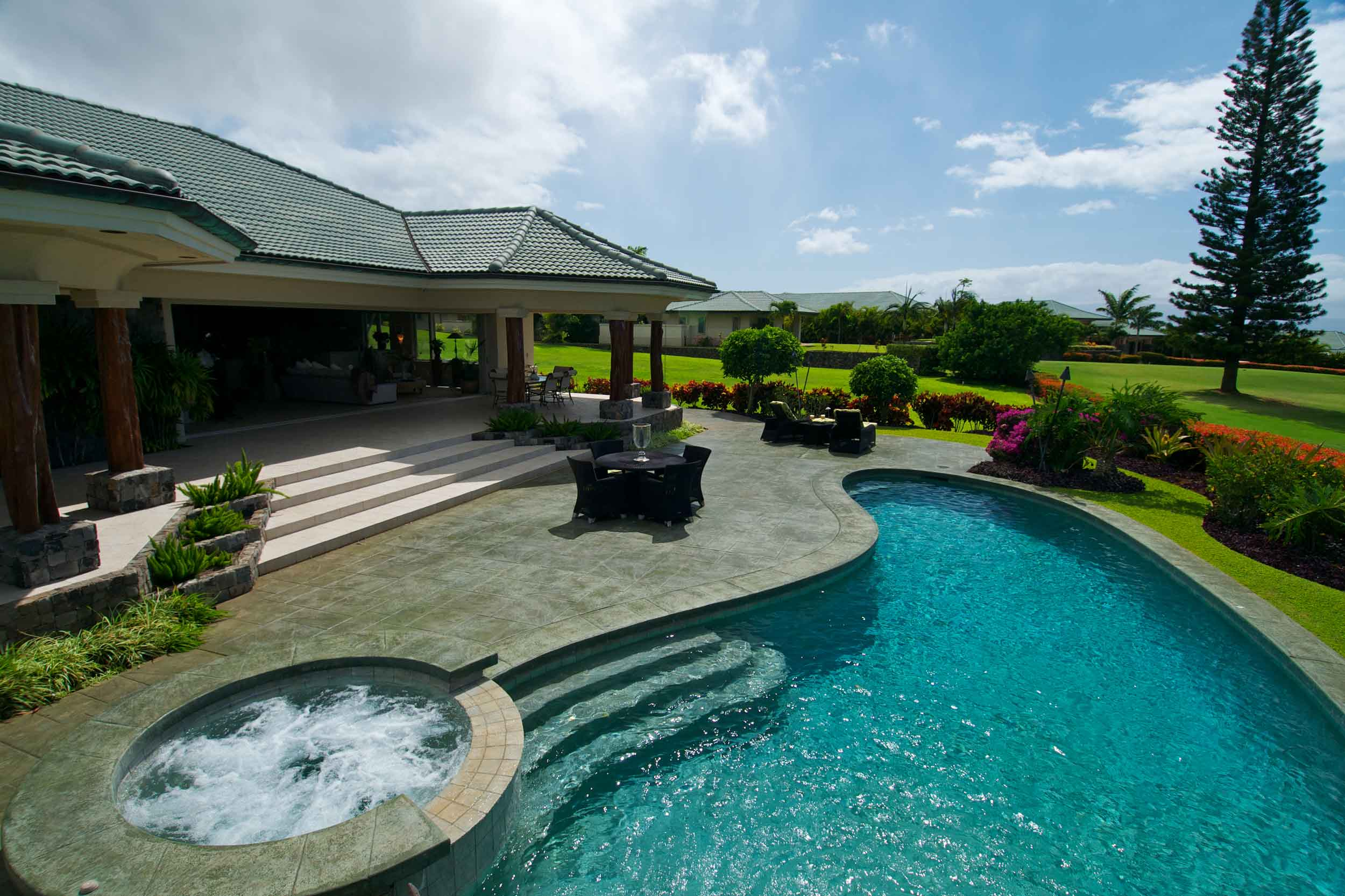 This tropical retreat is in one of the top golf resorts in the world. Kapalua, on the island of Maui boasts two championship courses: the Bay Course, which has hosted over 20 major professional tournaments, and the Plantation Course, the top-ranked course in Hawaii and the site of the PGA's Tournament of Champions.