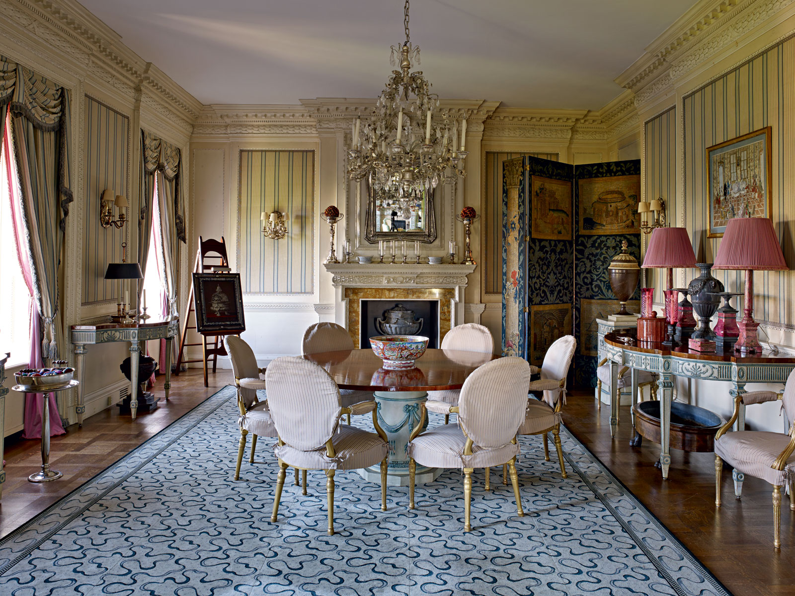 This is the largest existing original apartment on Fifth Avenue, and of all its 20 rooms, the 720-squarefoot main living room is the most impressive: it has two fireplaces and windows that afford unchallenged views of Central Park. According to owner Susan Gutfreund, the low windows are the secret to the great views and ample light.