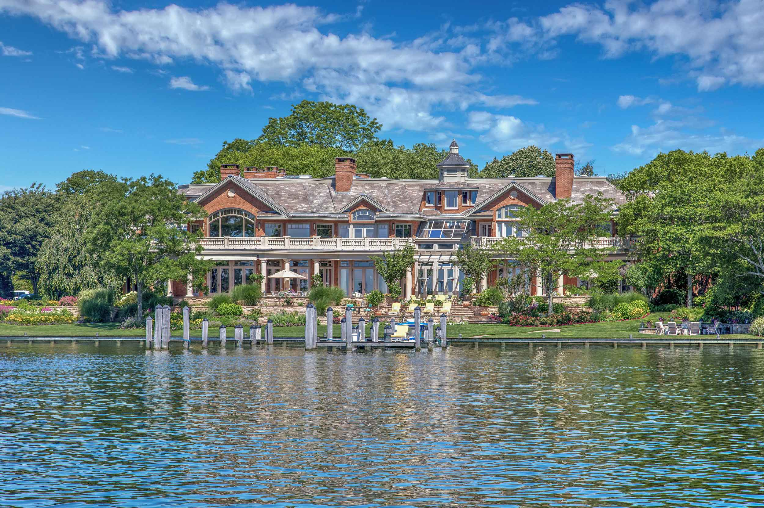 The aptly named Sui Generis is a one-of-a-kind waterfront retreat on New Jersey's Manasquan River.