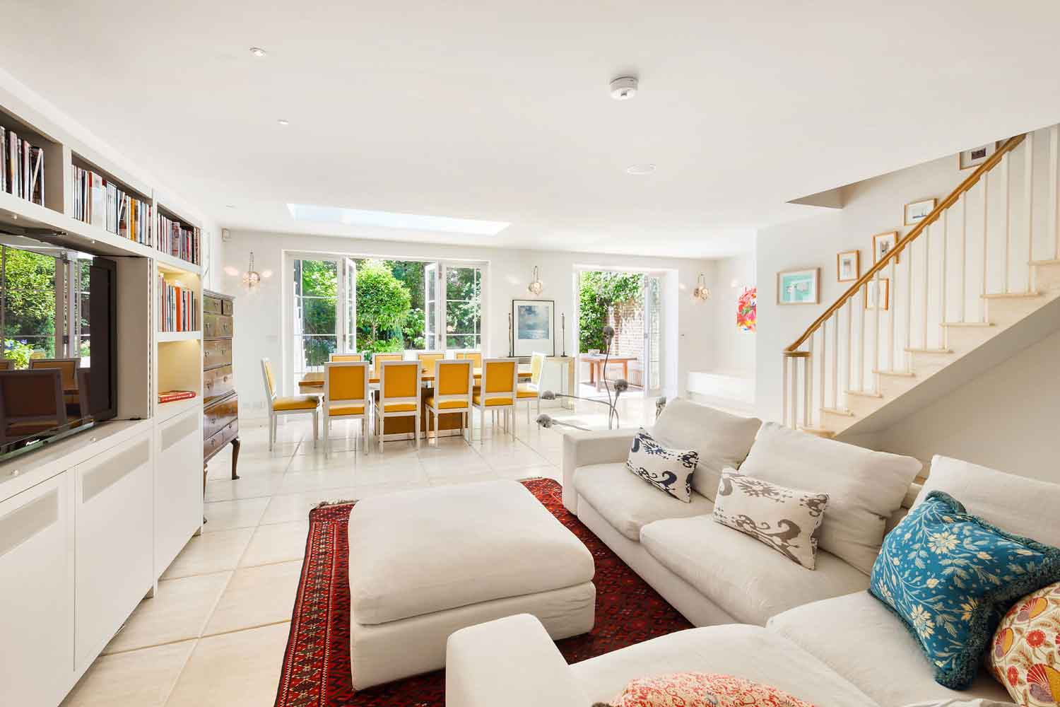 <b>London, United Kingdom</b><br/><i>6 Bedrooms, 3,681 sq. ft.</i><br/>Six bedroom house with family large garden
