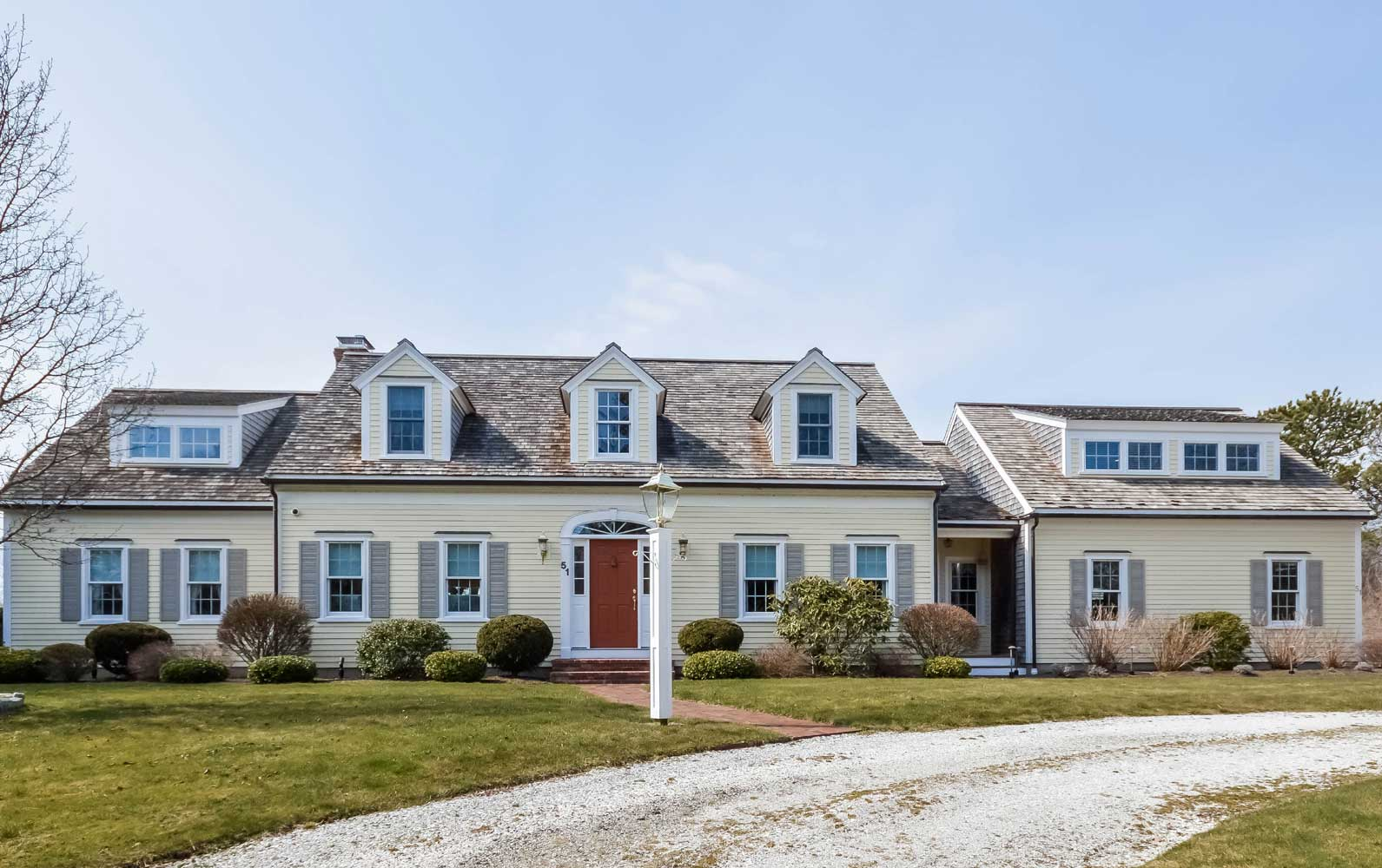 <b>Chatham, Massachusetts</b><br/><i>5 Bedrooms, 3,328 sq. ft.</i><br/>Cape Cod residence with water views