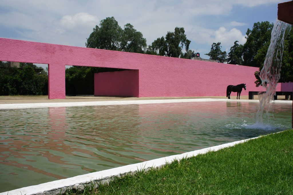 Cuadra San Cristobal was designed for the enjoyment of man and steed. There are even two swimming pools: one for humans, and one for horses.
