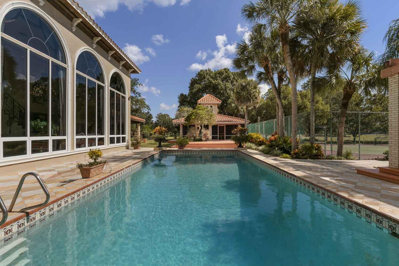 <b>Tavares, Florida</b><br/><i>3 Bedrooms, 4,742 sq. ft.</i><br/>Elegant equestrian estate on 152 acres