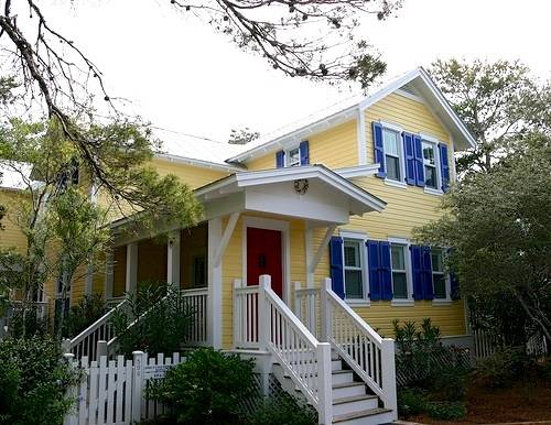 Modern House Decorating Design Ideas: Yellow House Blue Shutters