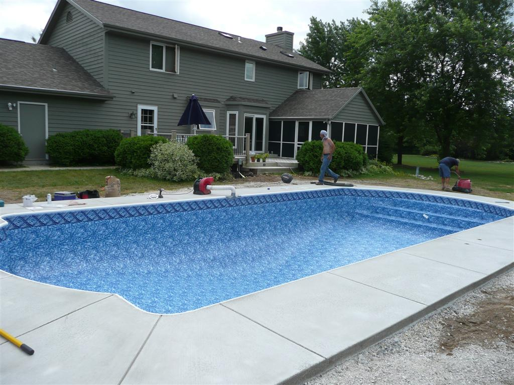 Is your Pool Contractor offering Custom Vinyl Liner Pool Designs?