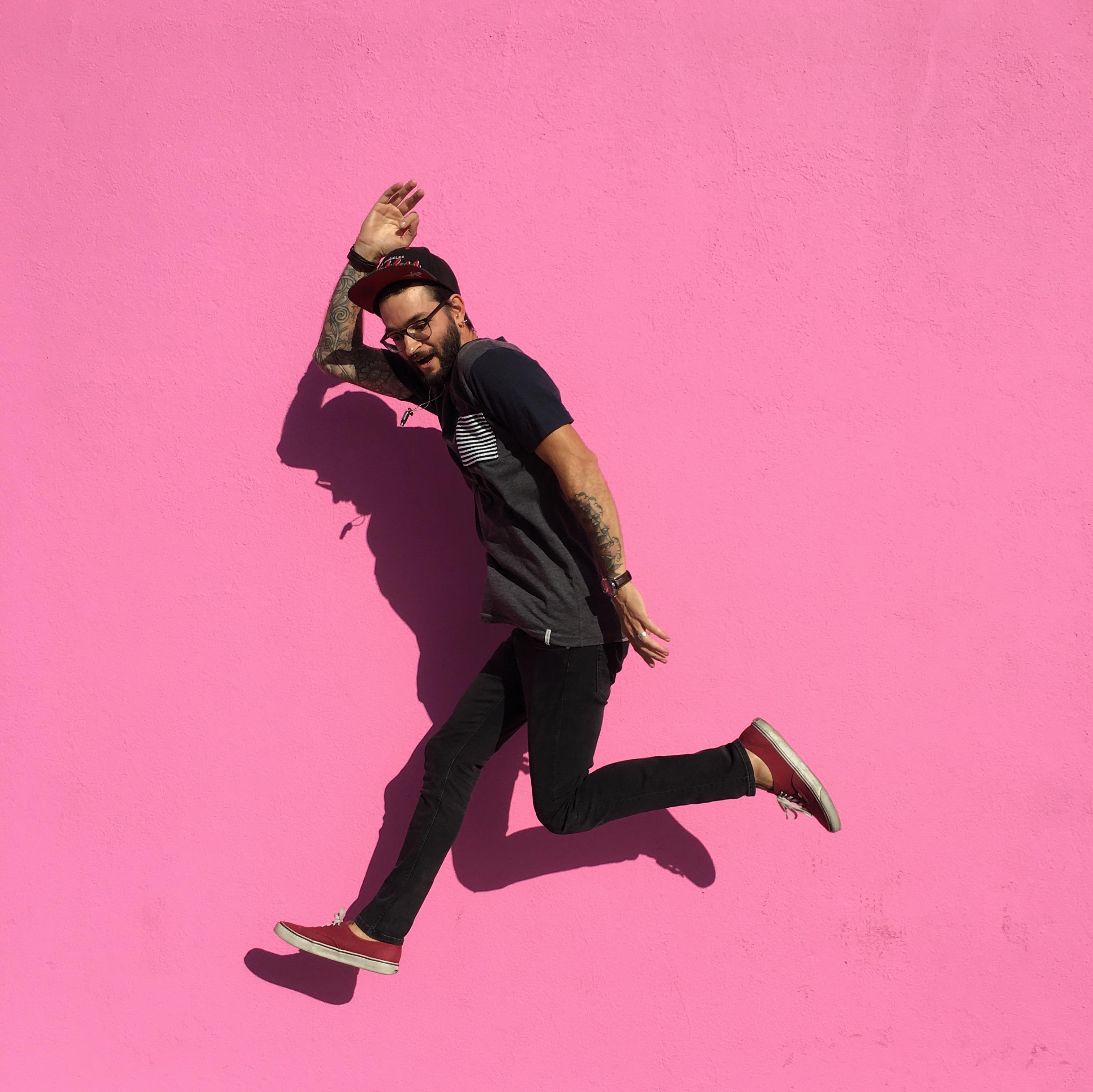 Foap-jumping_for_joy_.jpg