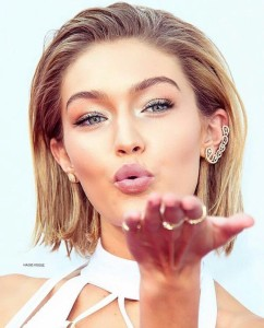 Gigi Hadid AMA red carpet