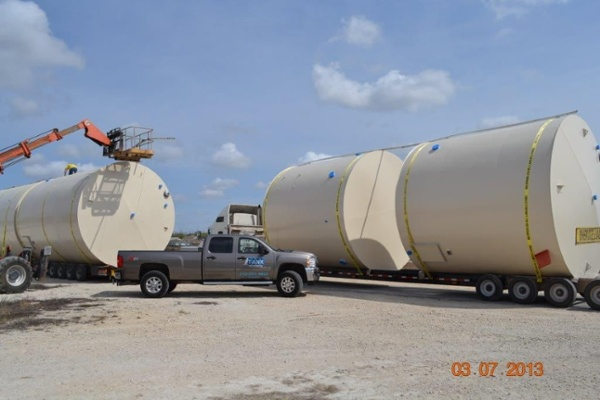 Tank Partners uses specialty tank trailers to transport tanks. These trailers can transport three 500 BBL tanks, or two 750 BBL tanks or two 400 BBL tanks. Transporting multiple tanks lowers your freight cost.
