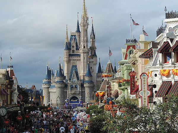 Autism Spectrum Disorder family vacation to Disney World