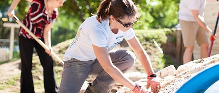 Corporate Volunteer Programs: A Primer for Companies Interested in Philanthropy