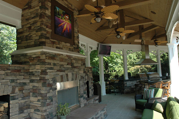 11 Awesome Outdoor Fireplace And Firepit Design Ideas