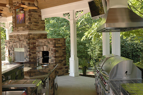 4 Awesome Outdoor Kitchen Design Ideas