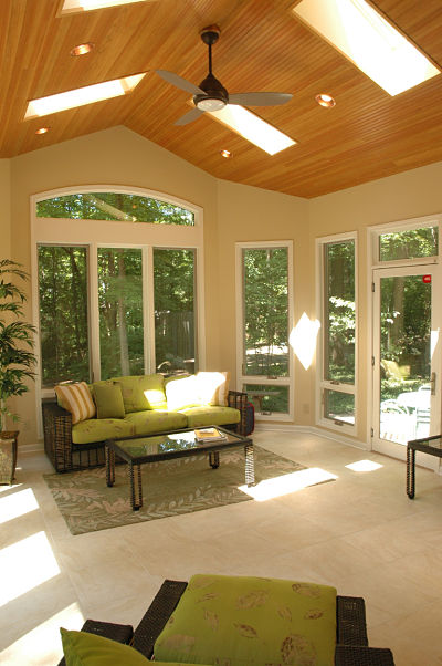 Crank Out Windows House Design : Things to know about three season room design
