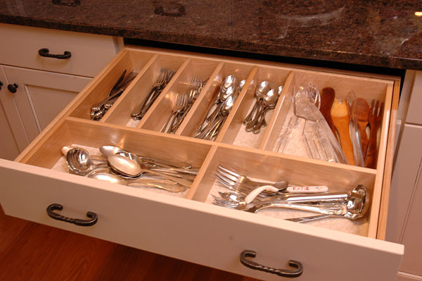 11 must have accessories for kitchen cabinet storage for Silverware storage no drawers