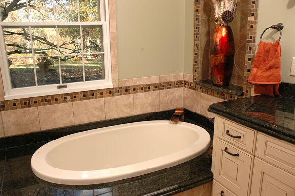 Project Spotlight A Stylish Master Bath With Universal