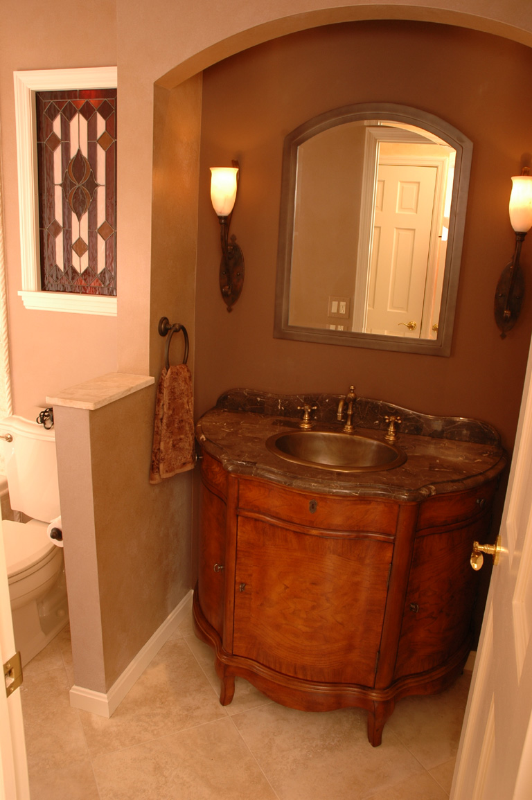 9 great design ideas for half baths and powder rooms for Powder room vanities for small spaces