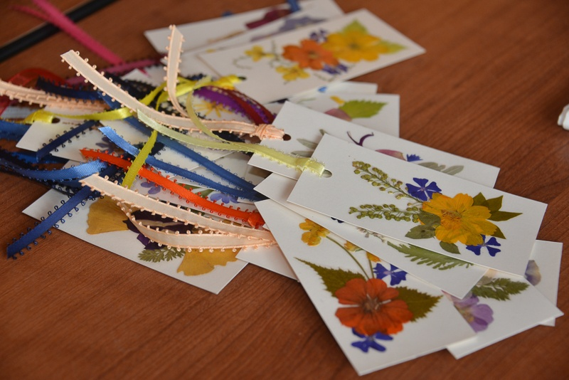 bookmarks-card-group