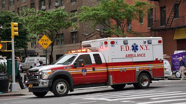 ambulance-in-new-york-city_800