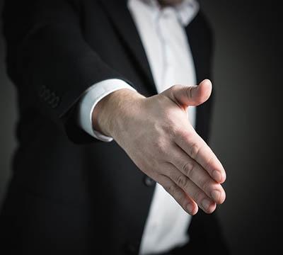 handshake-2056021_640.jpg