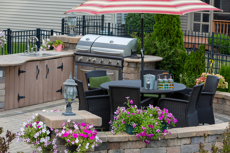 Maximize Your Outdoor Kitchen with These Tips