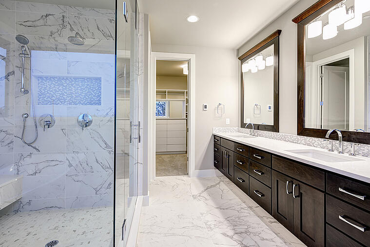 Follow This Guide to Choose the Right Number of Sinks for Your Master Bathroom