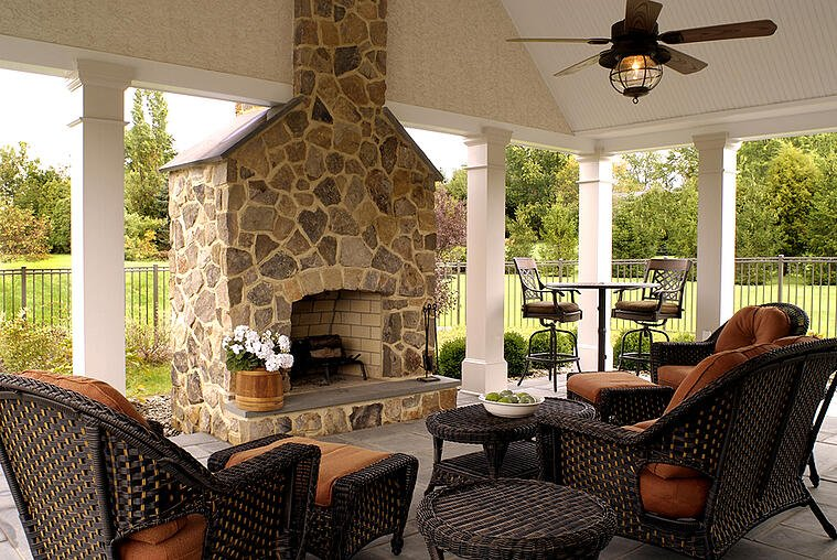 Improve Your Outdoor Space with These Features