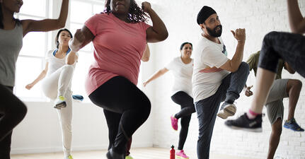 4 Ways to Create Team Fitness Experiences that Strengthen Workplace Community