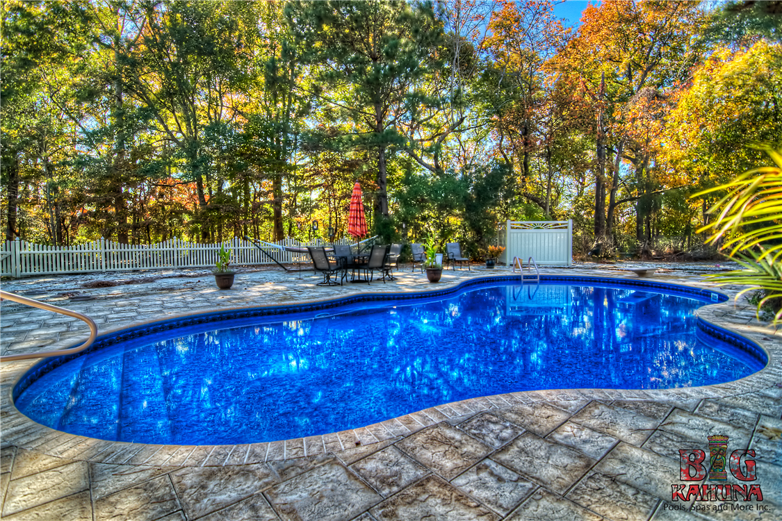 Pool gallery by big kahuna for Vinyl swimming pool
