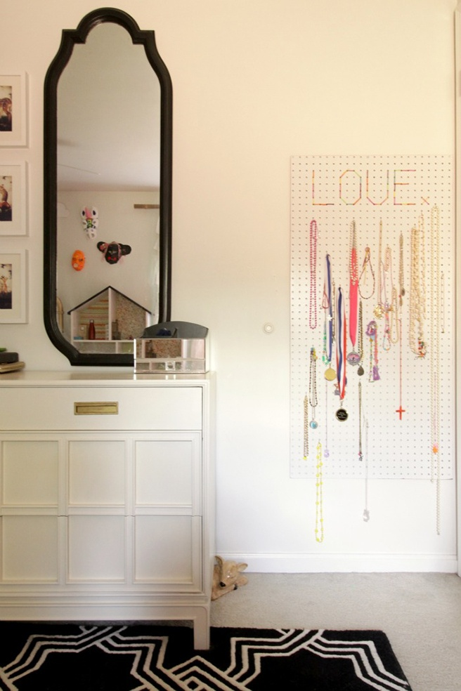 DIY-Jewelry-Organizer.jpg