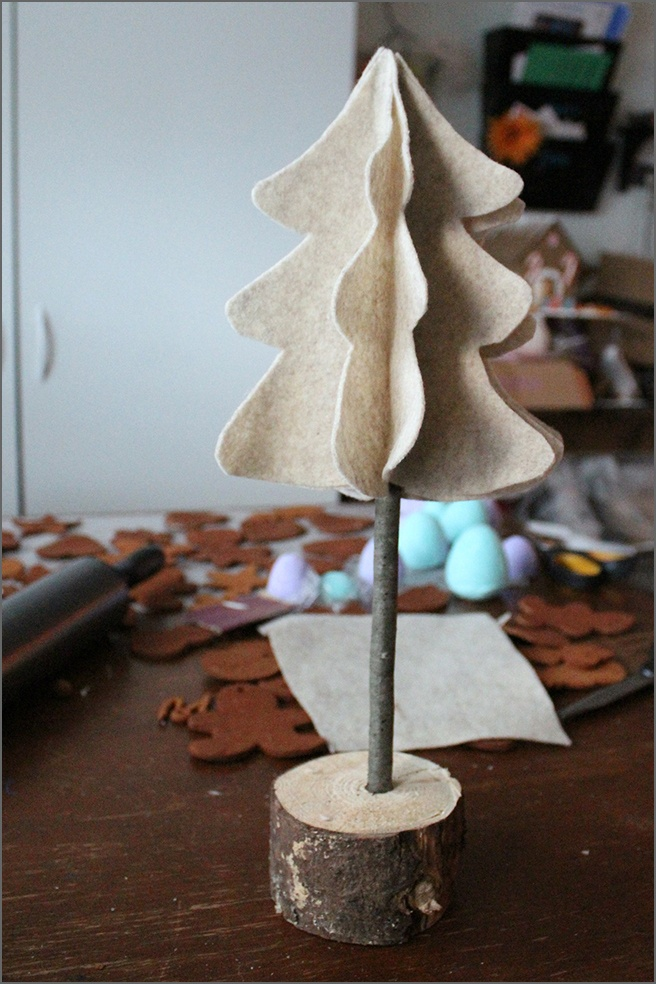 Finished-Felt-Tree.jpg