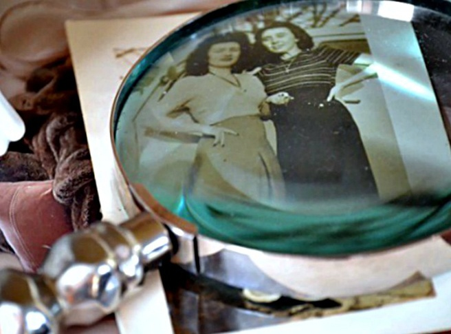 decorating-with-photos-under-a-magnifying-glass.jpg