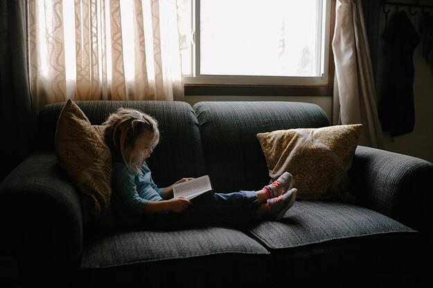 child reading picture
