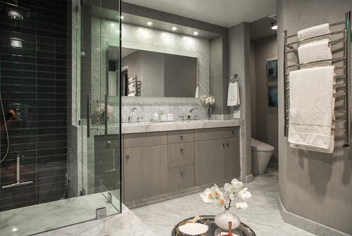 8 Tips for a Luxurious, Eco-Friendly Master Bathroom Remodel