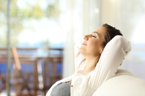 Benefits and Approaches to Breathwork (And How Steam Therapy Can Enhance Your Practice)