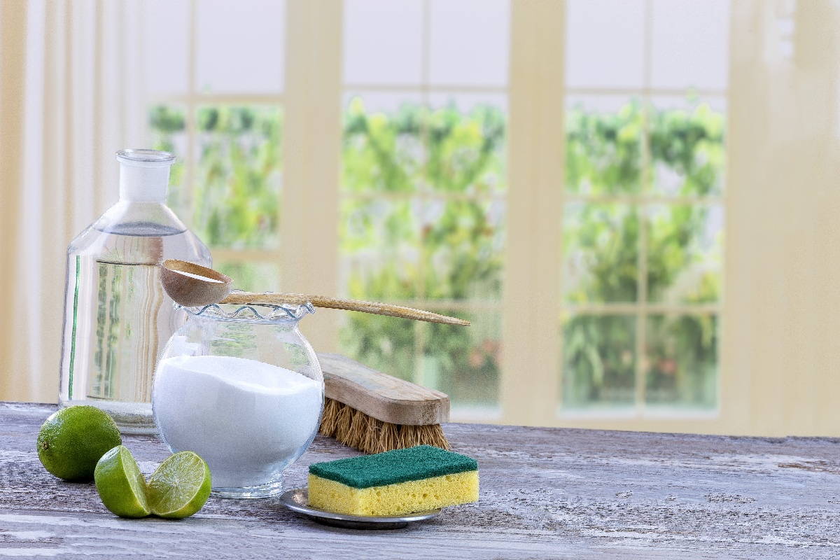 Natural Tips for a Clean, Fresh Bathroom