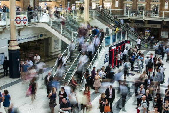Crowds of people in a shopping mall to represent buyer personas