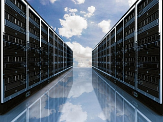 Hybrid cloud computing strategy