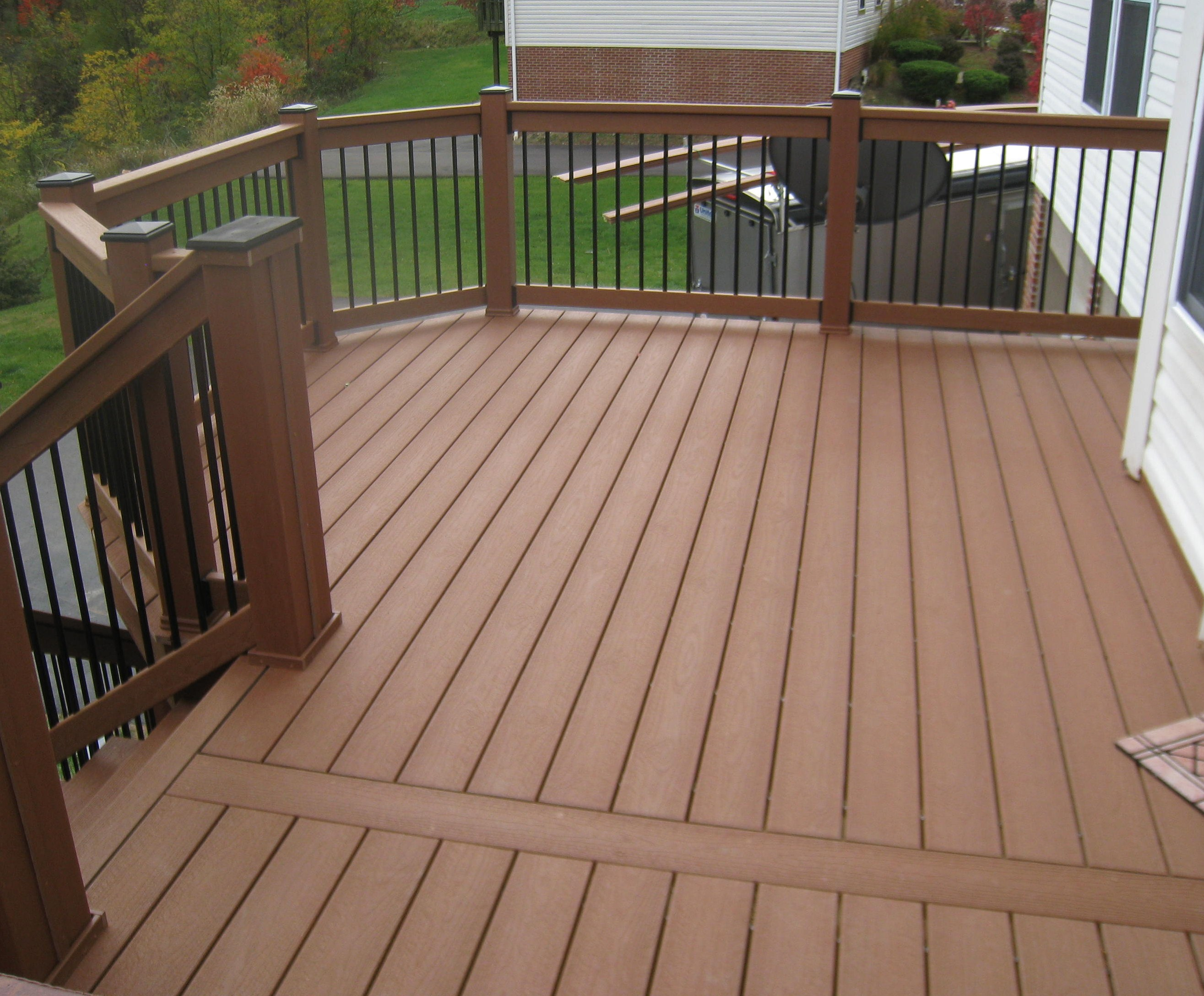 Variety of railing options for decks for Deck designer